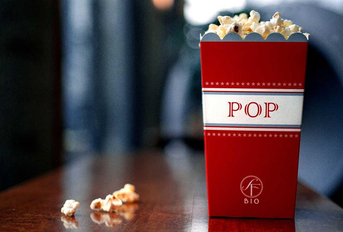 Nu smyghöjer SF priset på en av sina popcornmenyer.