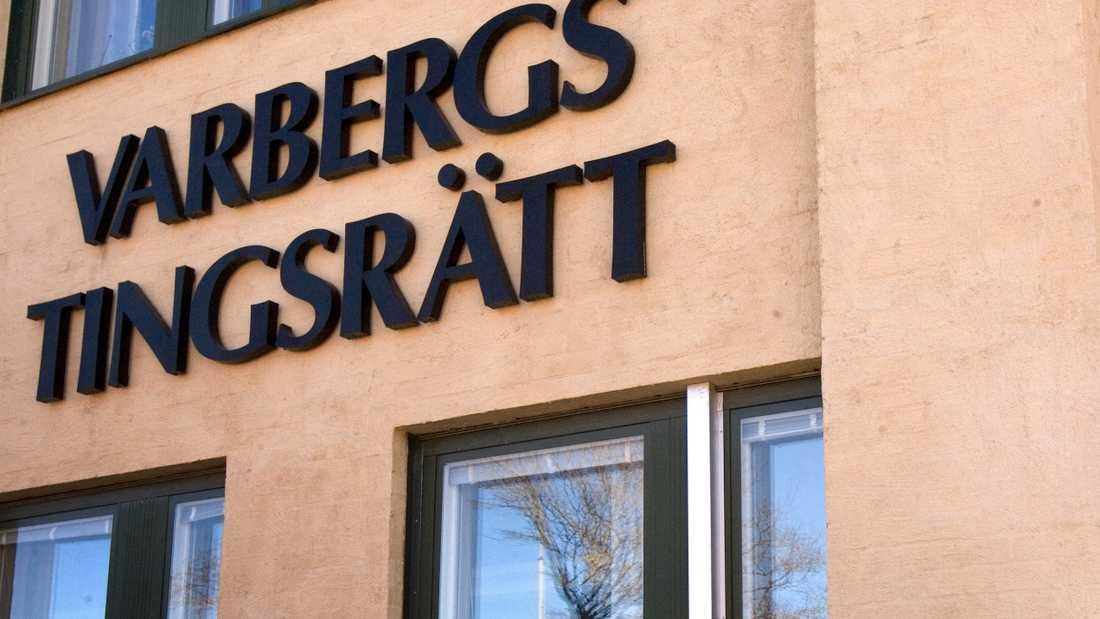 Varbergs tingsrätt dömde mannen för mordförsök, men friade honom från åtalet om synnerligen grovt narkotikabrott. Arkivbild.