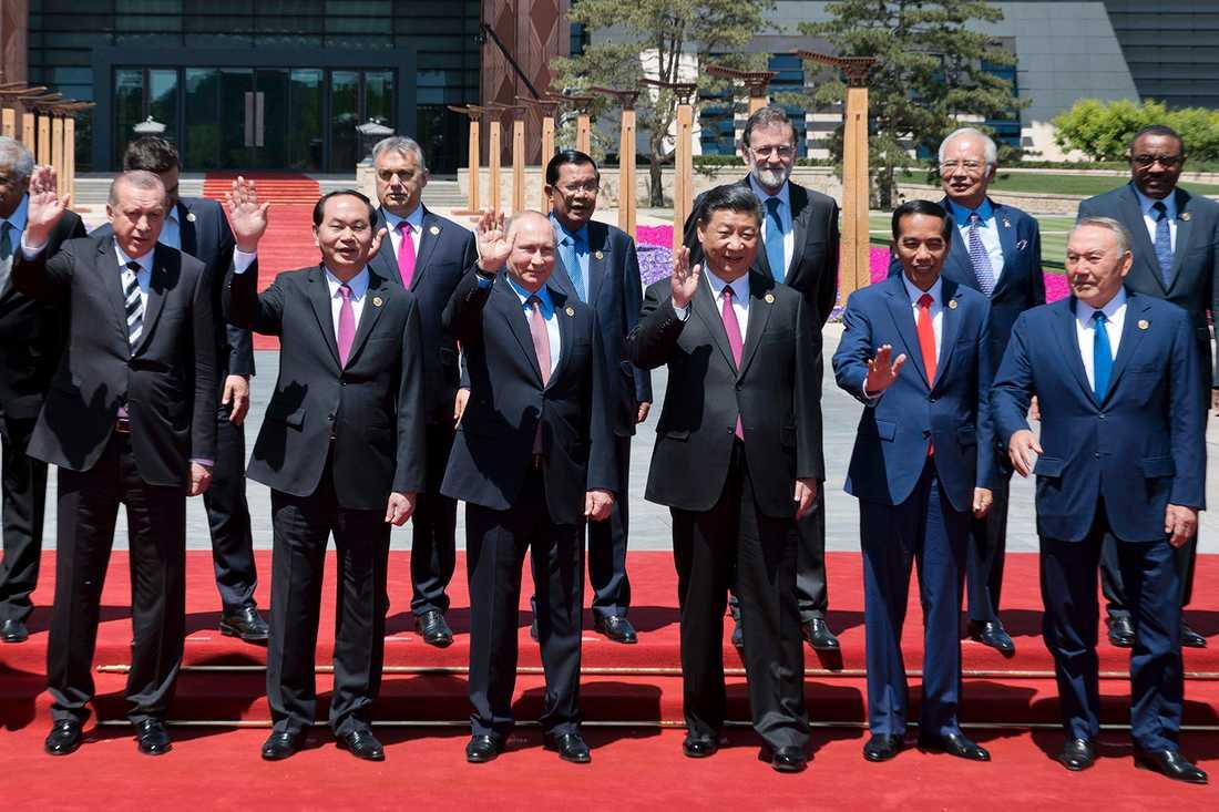 Kinas president Xi Jinping tillsammans med Vladimir Putin, Recep Tayyip Erdoğan och andra ledare.