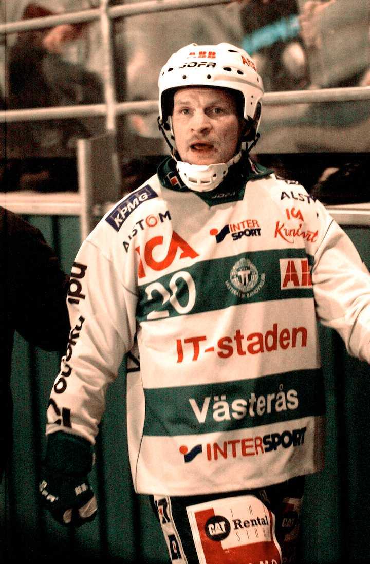 Fosshaug är inte helt nöjd efter att ha fått ett matchstraff 2004.