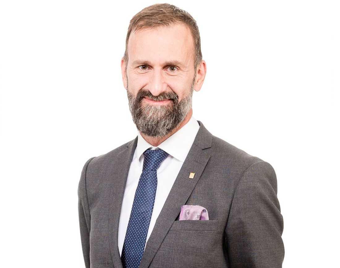Mikael Gustavsson Roxell, tidigare Mikael Lekfalk.