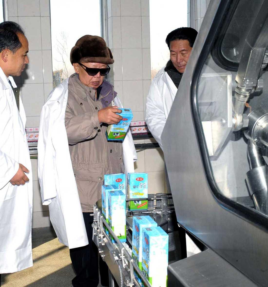 KIM TITTAR PÅ PAKET Tetrapaken må vara en svensk uppfinning, men mjölken från de koreanska korna är alltid bäst, oavsett förpackning.