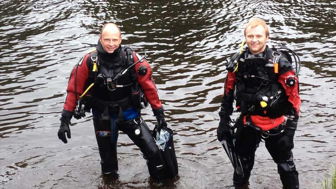 Nils-Erik Jönsson, 57, och sonen Jesper Jönsson Löf, 26, är båda dykare. När Urban Nilsson kollapsade hjälptes de åt att inleda hjärt-lungräddning.