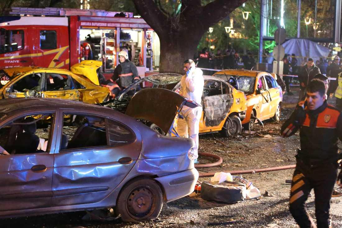 Attacken genomfördes vid en busshållplats mitt i staden.