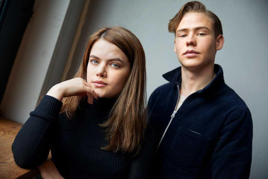 """Alva Bratt och Edvard Olsson spelar med i den nya ungdomsserien """"Eagles"""", som snart finns tillgänglig på SVT Play."""