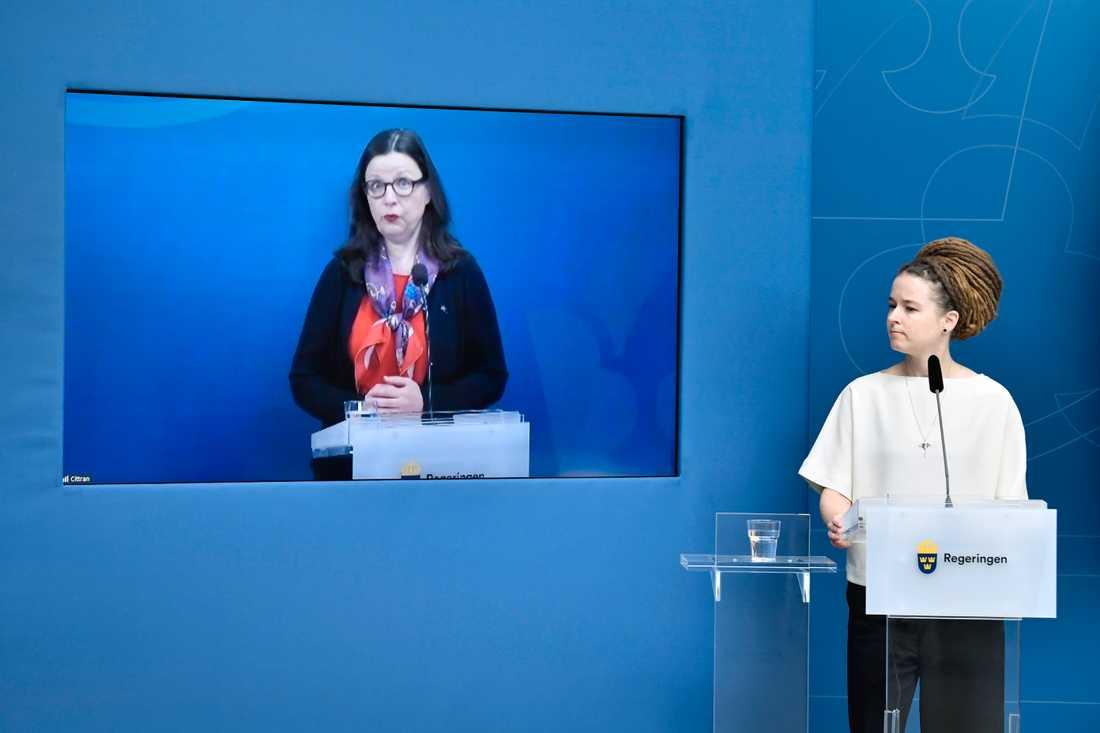 """""""Det är inte rimligt att undervisningen ska ske på distans i hela landet och hela tiden när smittläget ser olika ut"""", säger utbildningsminister Anna Ekström (S)."""