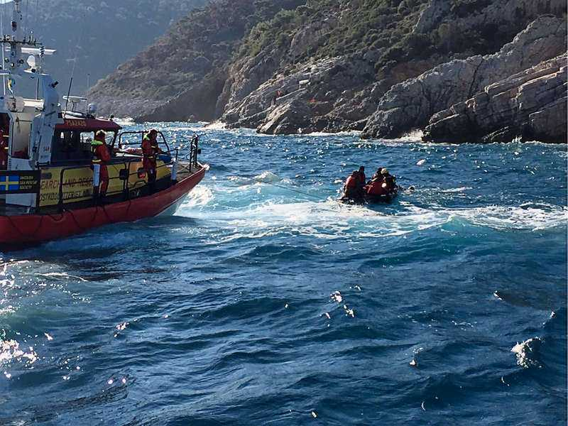Gula båtarna räddade 74 personer på söndagen. Bilden är tagen vid ett annat tillfälle.