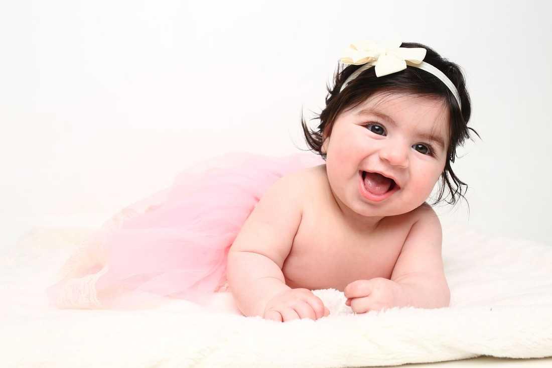 Fem månader gamla Emily. Bild inskickad av mamman Maria Sonono i Upplands Väsby i Stockholm.