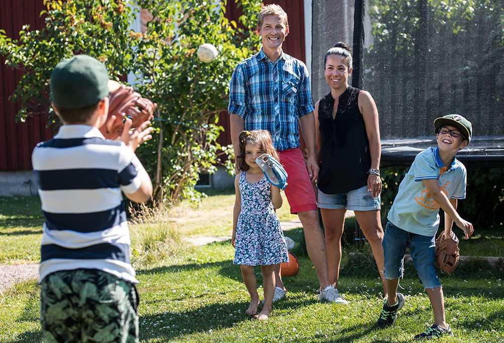 """På """"semestern"""" tillbringas extra mycket tid med de tre barnen."""
