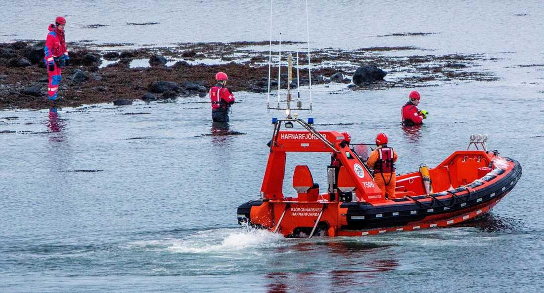Polis och räddningstjänst har sökt efter Birna i vattnet utanför Reykjavik.