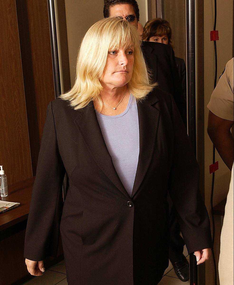 Paris mamma Debbie Rowe.