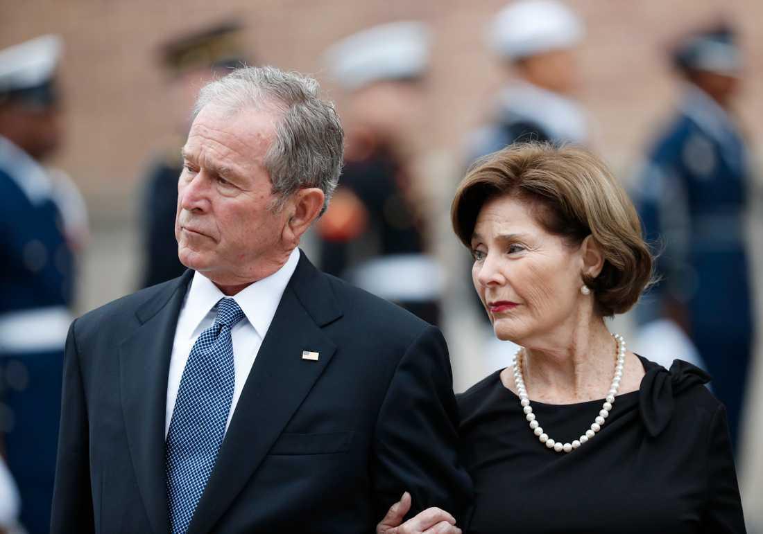 USA:s tidigare president GeorgeW Bush och hans hustru Laura Bush. Arkivbild.
