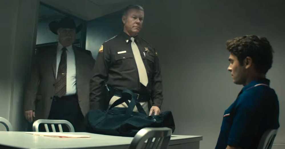 Metallica-sångaren James Hetfield spelar polis.