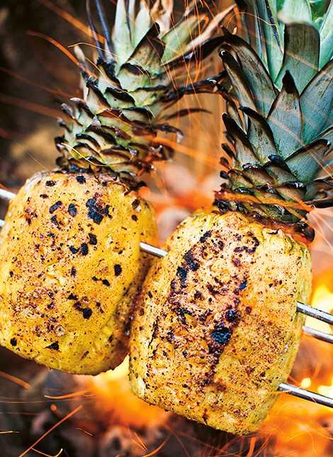 Grillad ananas med apelsinkrydda.