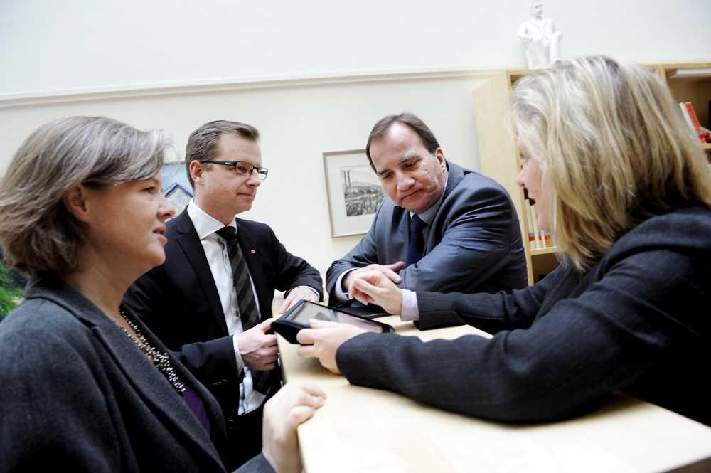 De fyra(S) gäng Här är Socialdemokraternas innersta krets samlad på bild för första gången. Carin Jämtin, partisekreterare, Mikael Damberg, gruppledare i riksdagen, Stefan Löfven, partiledare, och Magdalena Andersson, ekonomiskpolitisk talesperson.