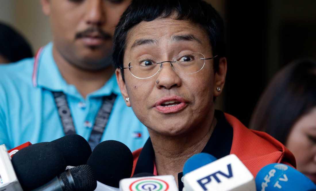 Filippinska journalisten Maria Ressa döms till sex års fängelse efter att ha rapporterat om regeringens övergrepp.