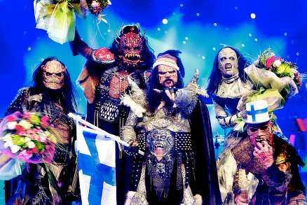 """Finska hårdrockarna Lordi vann stort i schlager-EM i går. Vinnarresultatet blev 292 - den högsta poängsiffran nånsin. """"Vi ser cool- ast ut av alla band i världen"""", säger Mr Lordi."""