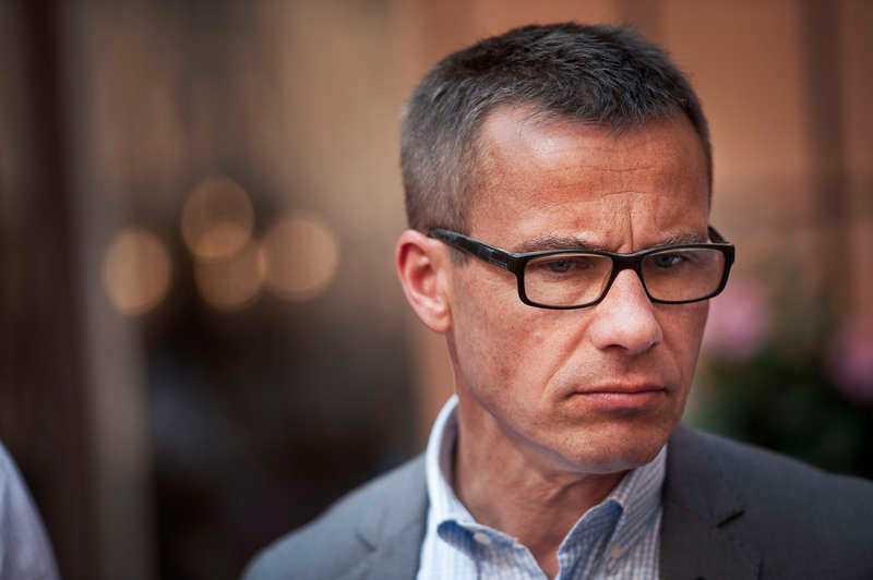 Socialförsäkringsminister Ulf Kristersson tycker att folk som lider av psykisk ohälsa ska gå till jobbet.