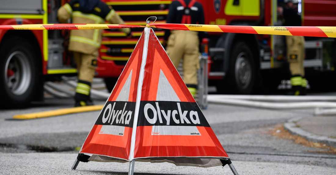 En trafikolycka mellan två bilar stoppade trafiken på E45.