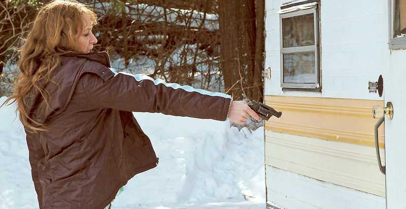 """Melissa Leo spelar huvudrollen Ray Eddy, """"white trash""""-morsan som kämpar för sin och barnens överlevnad."""