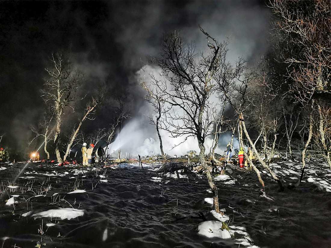 Fem personer saknas efter brand i Norge