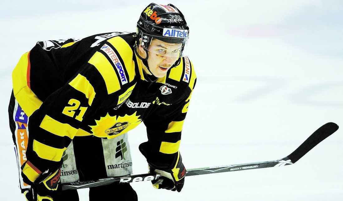 Fått stöd Skellefteås Jimmie Ericsson har fått hyllningar av hemmaplubiken hela SM-slutspelet, även när laget förlorade.