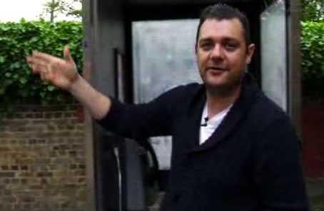 """I Vicedokumentären """"Fraud"""" får vi följa före detta ekobrottslingen Tony Sales till det England som ruineras."""