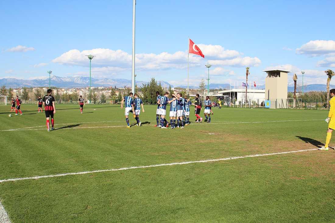 Matchen spelades i Side, Turkiet.