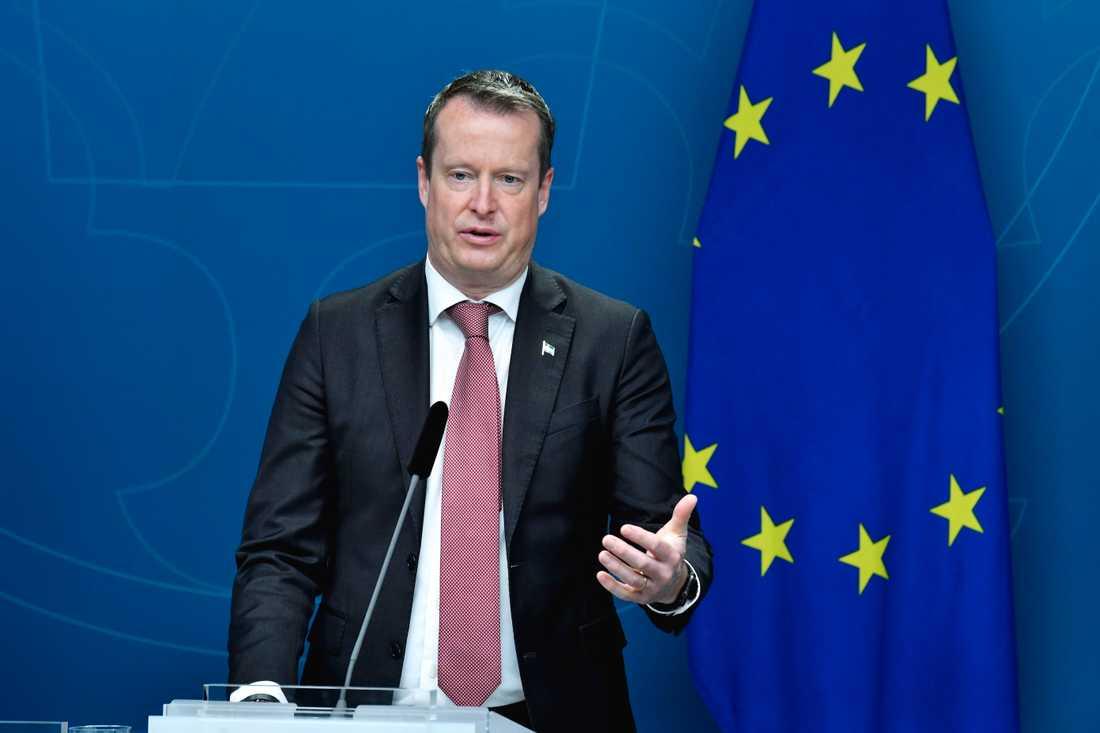 Digitaliseringsminister Anders Ygeman (S) har många frågor efter EU-kommissionens förslag på vaccinpass. Arkivbild.