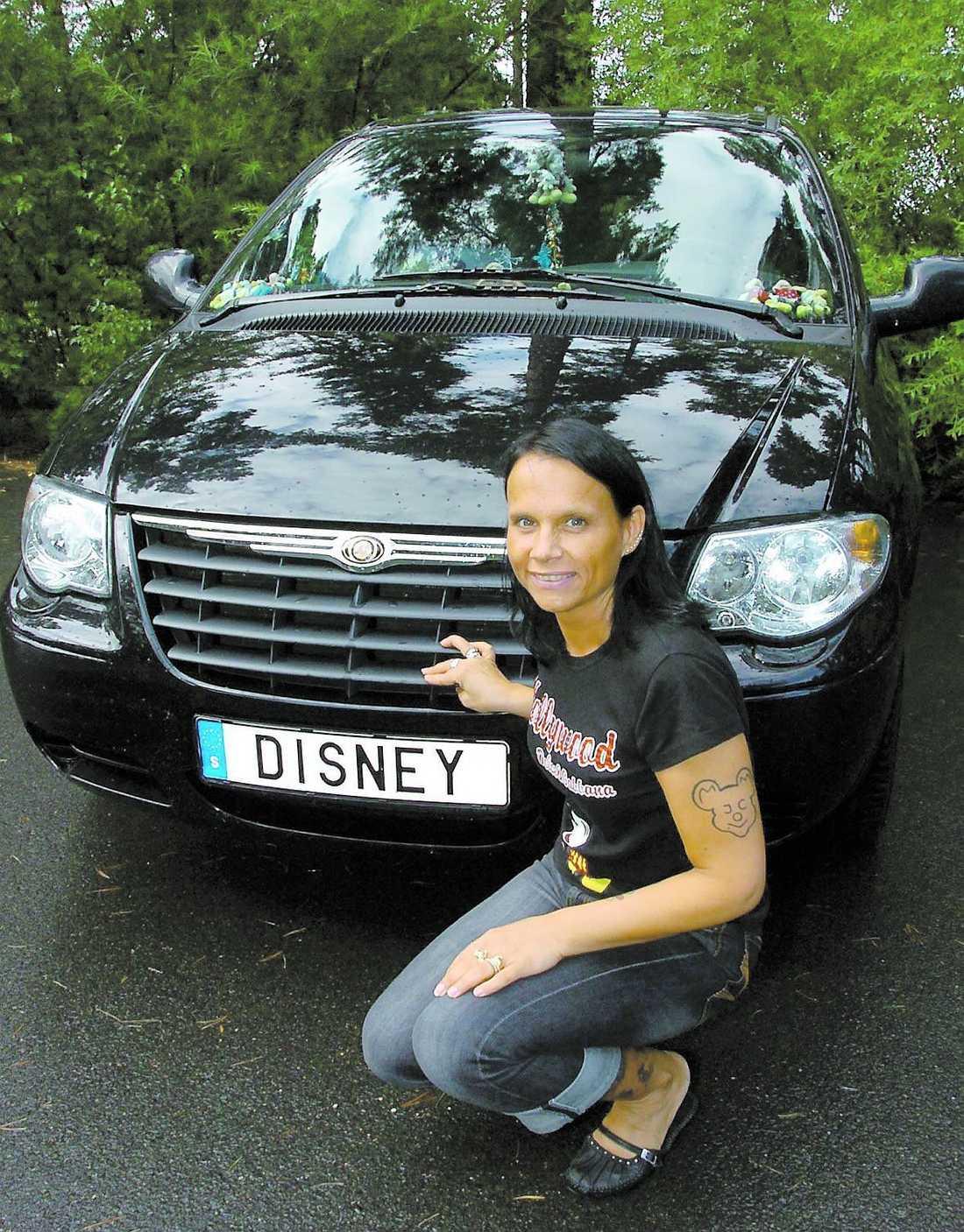 Martina Marouki, Jönköping, har Disney på sin registeringsskylt.