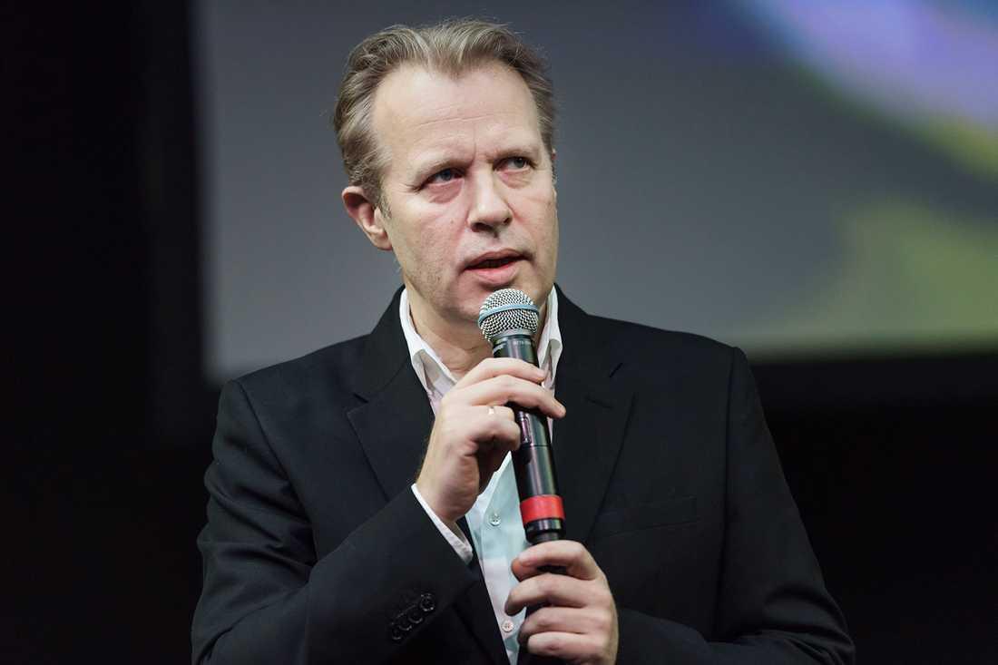 Dramatens chef Eirik Stubø tvingades avgå.