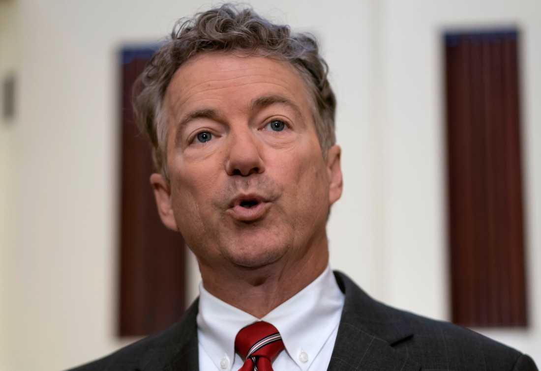 """""""Gör det inte, mister president"""", skriver partikollegan Rand Paul."""