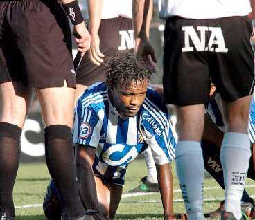 AJ, AJ, IJEH IFK Göteborgs anfallsstjärna Peter Ijeh deppar efter jättemissen mot Örebro i går. Mannen som värvades för att leverera har bara gjort ett ynkligt mål för sin nya klubb 2004.