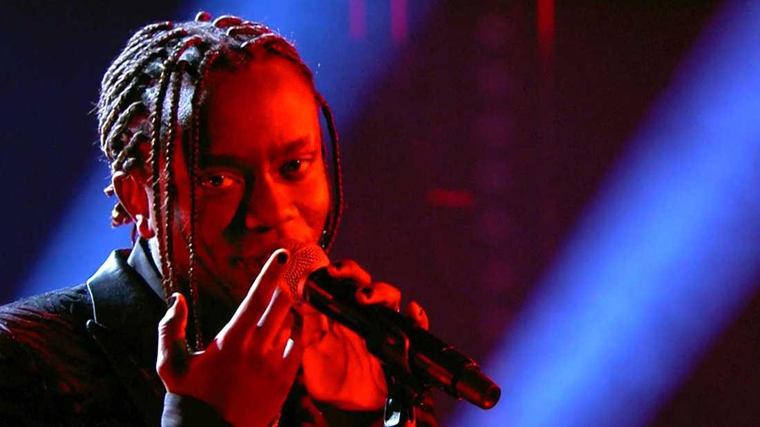 "Tusse Chiza valde att sjunga Conchita Wursts Eurovisionlåt ""Rise like a Phoenix""."