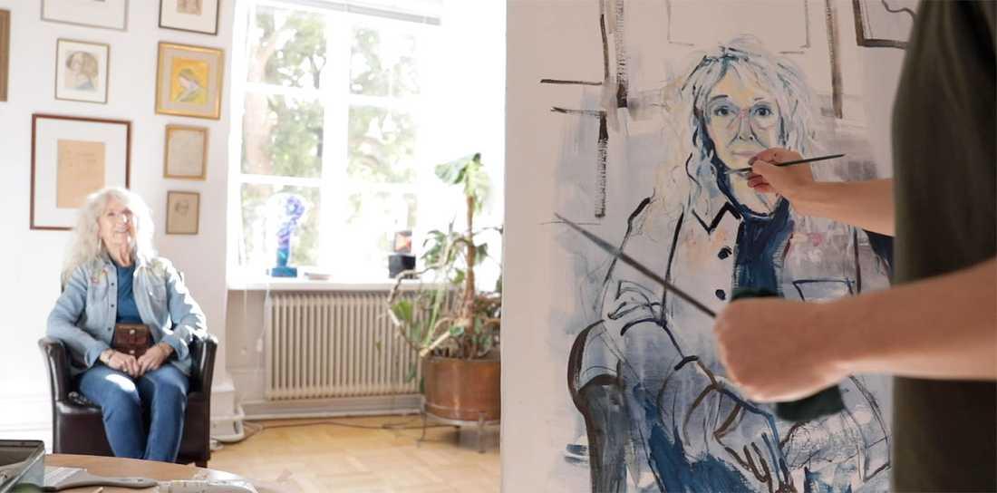 Jenny Svenberg Bunnel försöker fånga Merit Hemmingsons väsen via porträttmåleri.