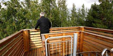 """Utsikten från tornet """"Vi hade en begränsad budget och hade inte råd att bygga högre"""", säger Piteå kommun om det nya utsiktstornet."""