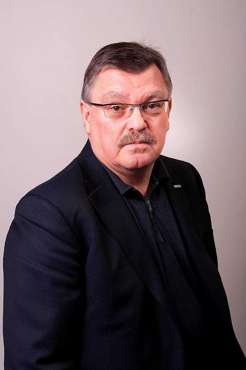 Ola Asplund, 58 Utredningschef IF Metall.