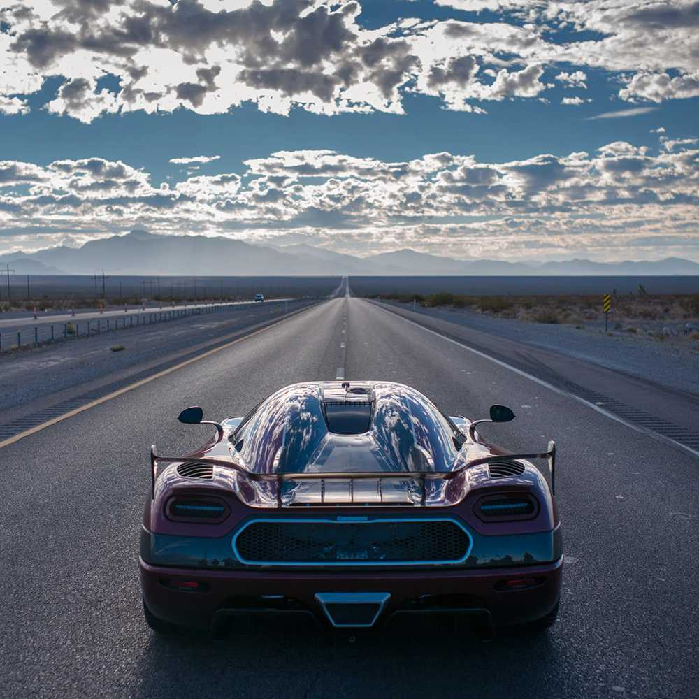 En rak motorväg i Nevada – arenan för världsrekordförsök.