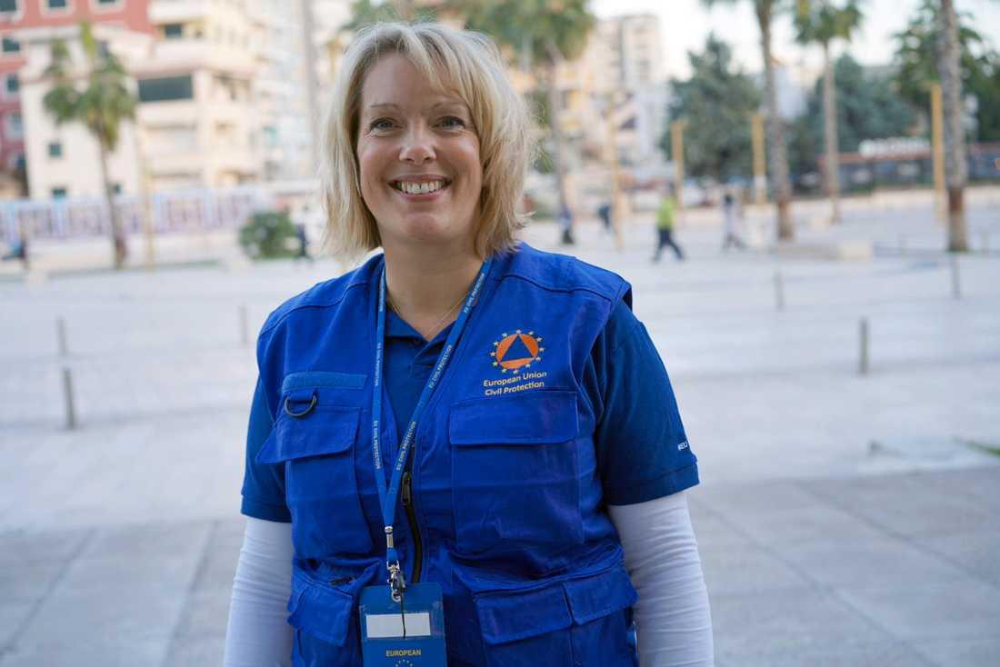 Josefin Gullstrand är en av två svenska hjälparbetare på plats i Albanien.