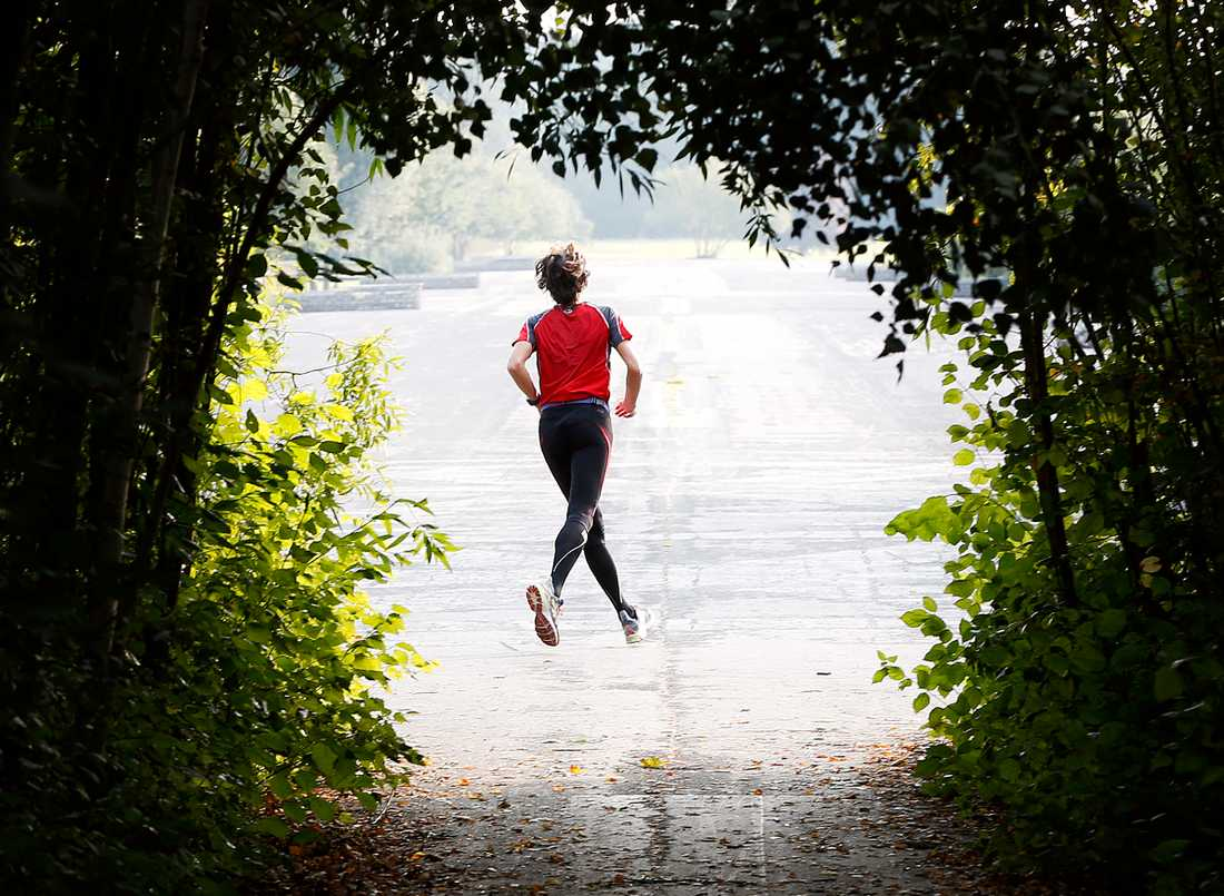 Vem vill inte slippa svettlukten i träningskläderna? Kläder med tillsatt silver marknadsförs som luktfria, men kan också orsaka miljöproblem, enligt Svenskt vattens miljöexpert. Arkivbild.