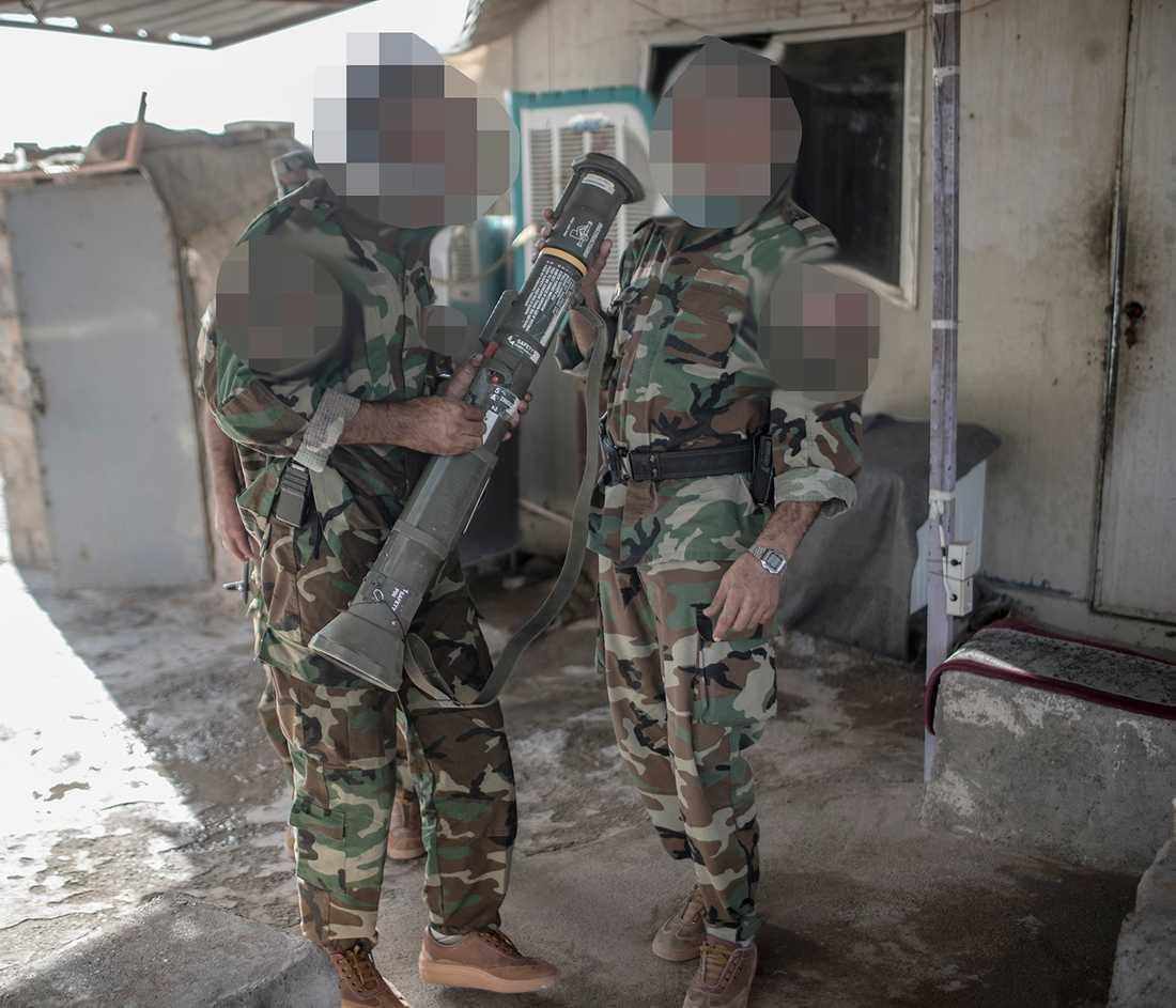Peshmerga-soldater med svenska vapentypen AT-4.