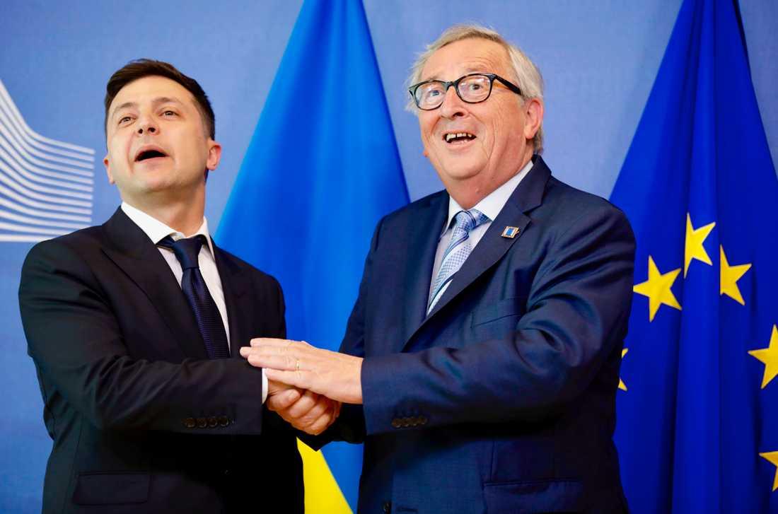 Ukrainas nye president Volodymyr Zelenskyj träffar EU-kommissionens ordförande Jean-Claude Juncker i Bryssel.