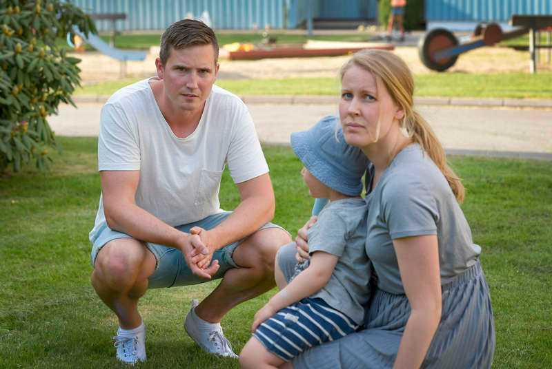 Föräldrarna Linnéa och Peter har förlorat förtroendet för förskolan.