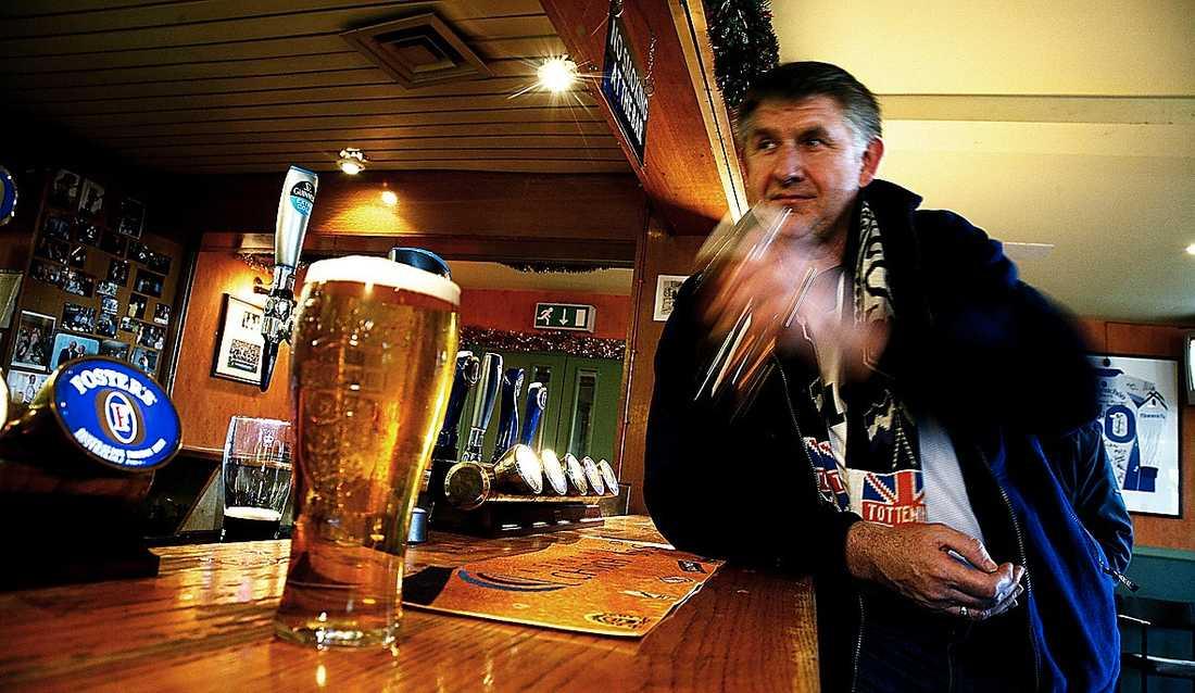 Morgan och Ola-Conny ska bland annat besöka pubar i London...