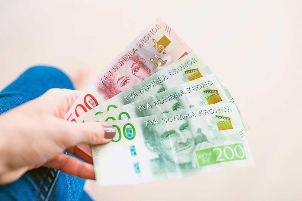 Du behöver inte skämmas för en låg ingångslön om du får en bra löneutveckling i framtiden, menar en expert på Svenskt Näringsliv.