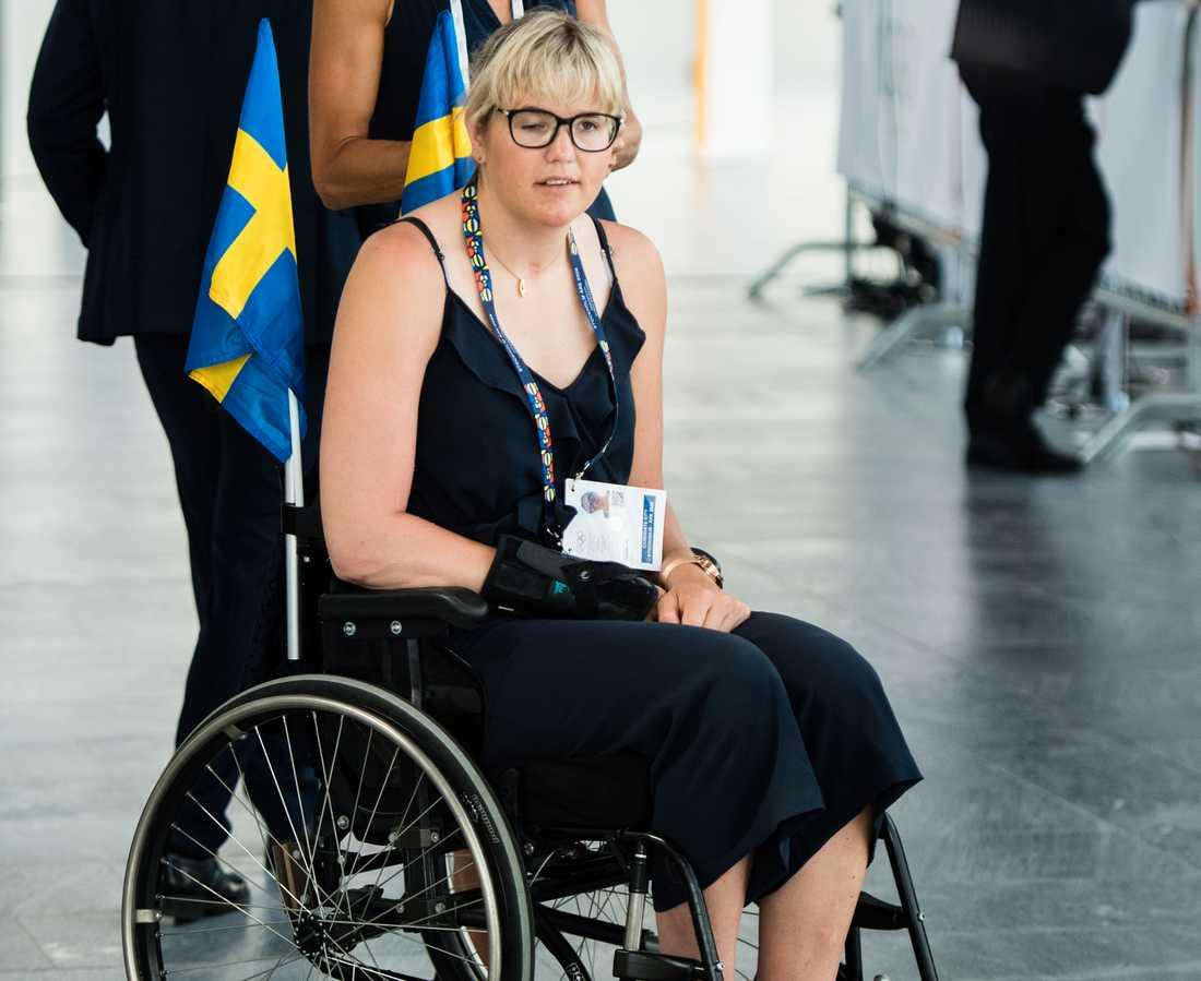 I en intervju med Expressen berättar Anna Holmlund om sviterna efter den svåra kraschen för tre år sedan.