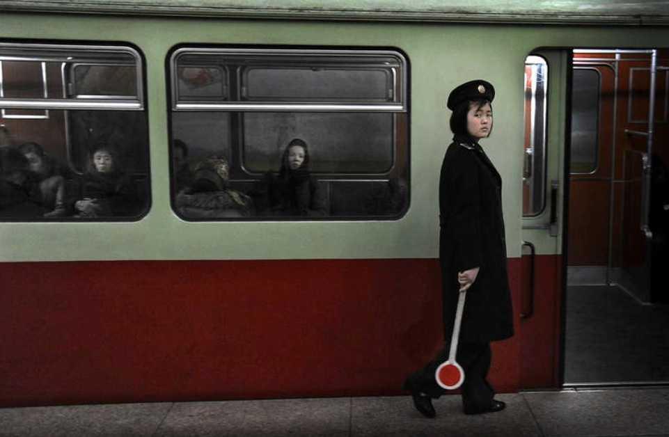 Tunnelbanan i Pyongyang.  Foto: Urban Andersson – nominerad till Årets bild 2013.