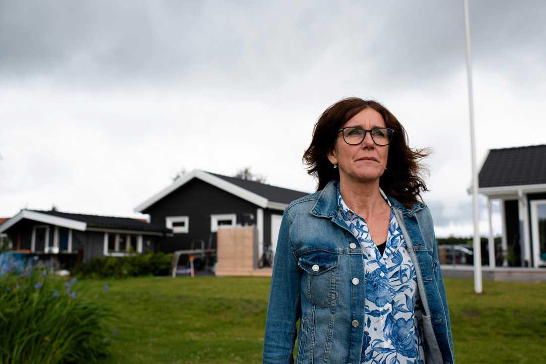 Anna Adolfsson såg flygolyckan från tomten.