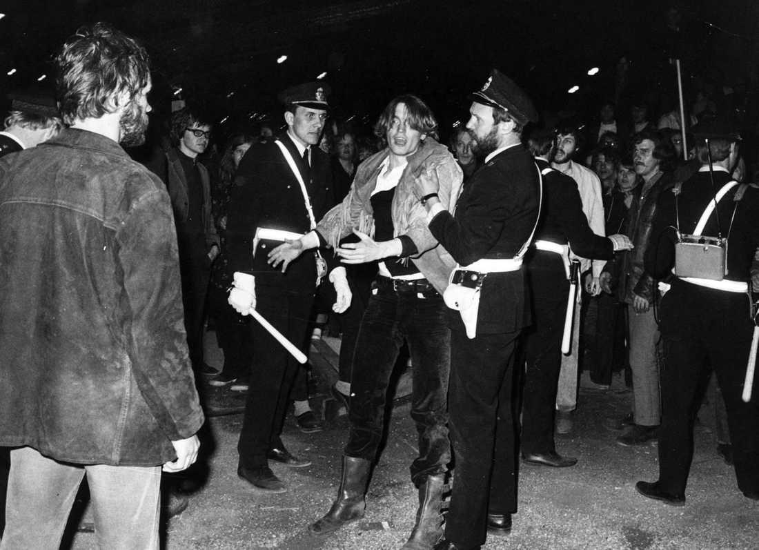 Johannes Brost greps i samband med en demonstration 1971.