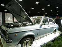 Motorn är på 1,1 liter och bilen har varken radio eller luftkonditionering.